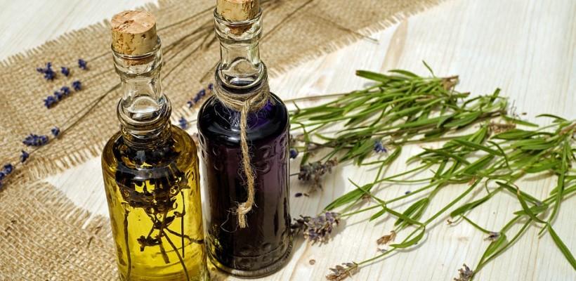 Olejek lawendowy: remedium na wiele dolegliwości