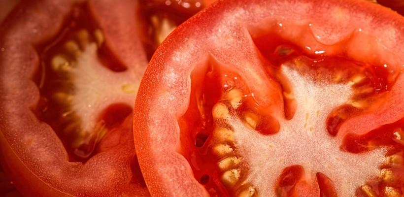 Paradoks pomidora: dlaczego warto poddać go obróbce termicznej
