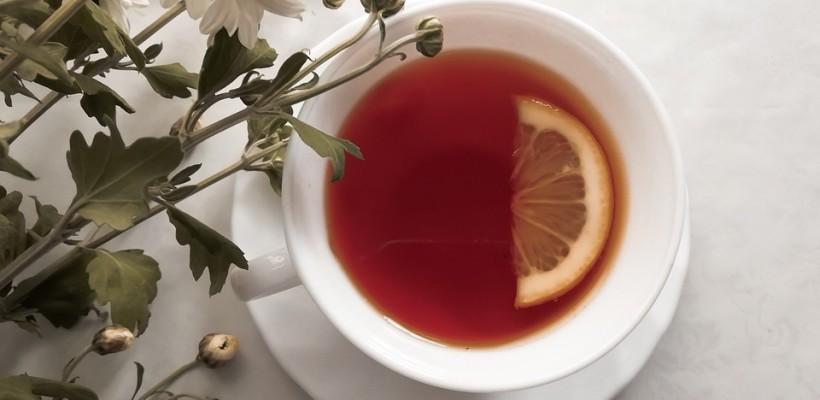 Czy herbata z cytryną szkodzi?
